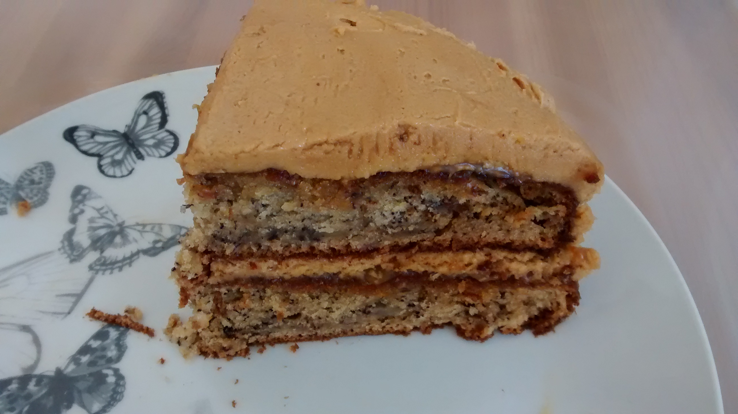 Banana cake with peanut butter frosting | Maria Runs